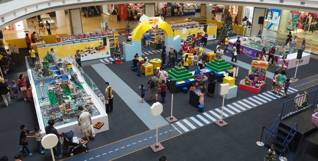 Build Your LEGO Christmas Event at 1Utama Shopping Centre