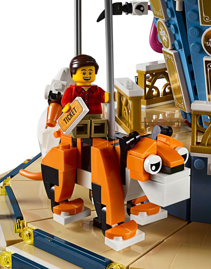 LEGO Creator Expert Carousel (10257) - Tiger