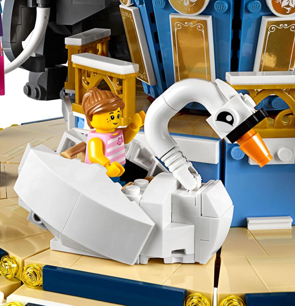 LEGO Creator Expert Carousel (10257) - Swan