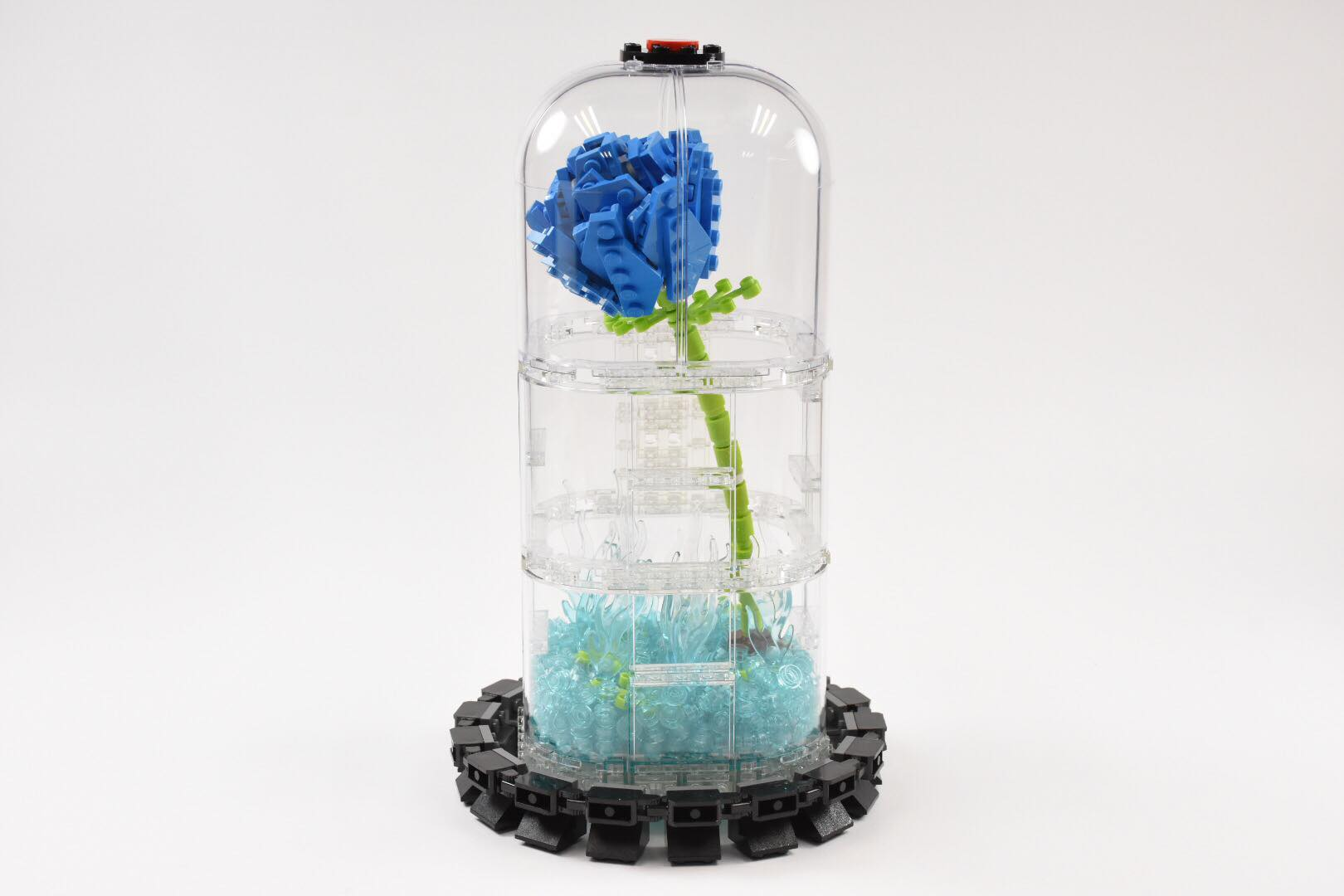 LEGO Blue Rose by Chakhei Mok