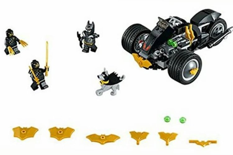 Batman: The Attack of the Talons (76110)