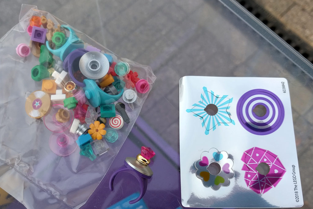 01 - LEGO Friends Creative Rings