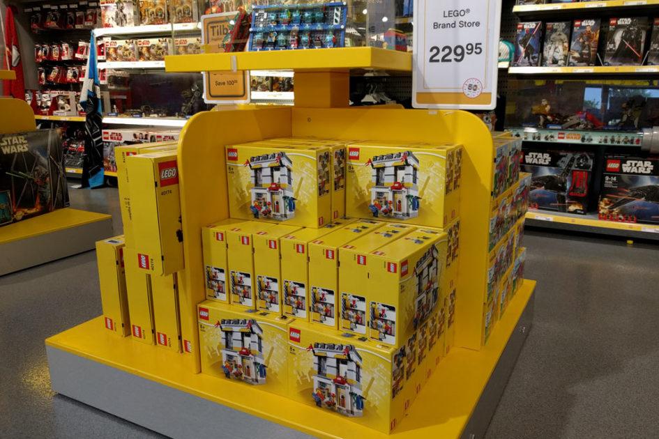 lego-store-40305-boxen-legoland-billund-2018-zusammengebaut-andres-lehmann-945x630