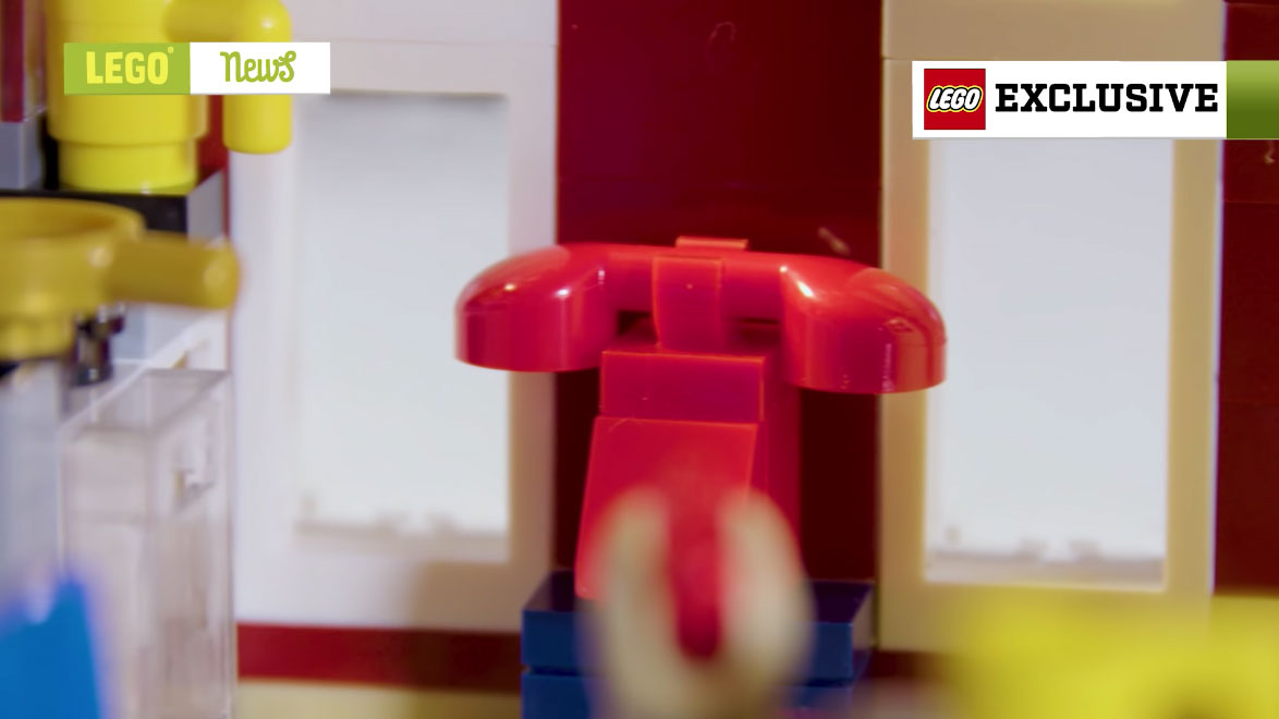 LEGO-Creator-Winter-Firestation-04