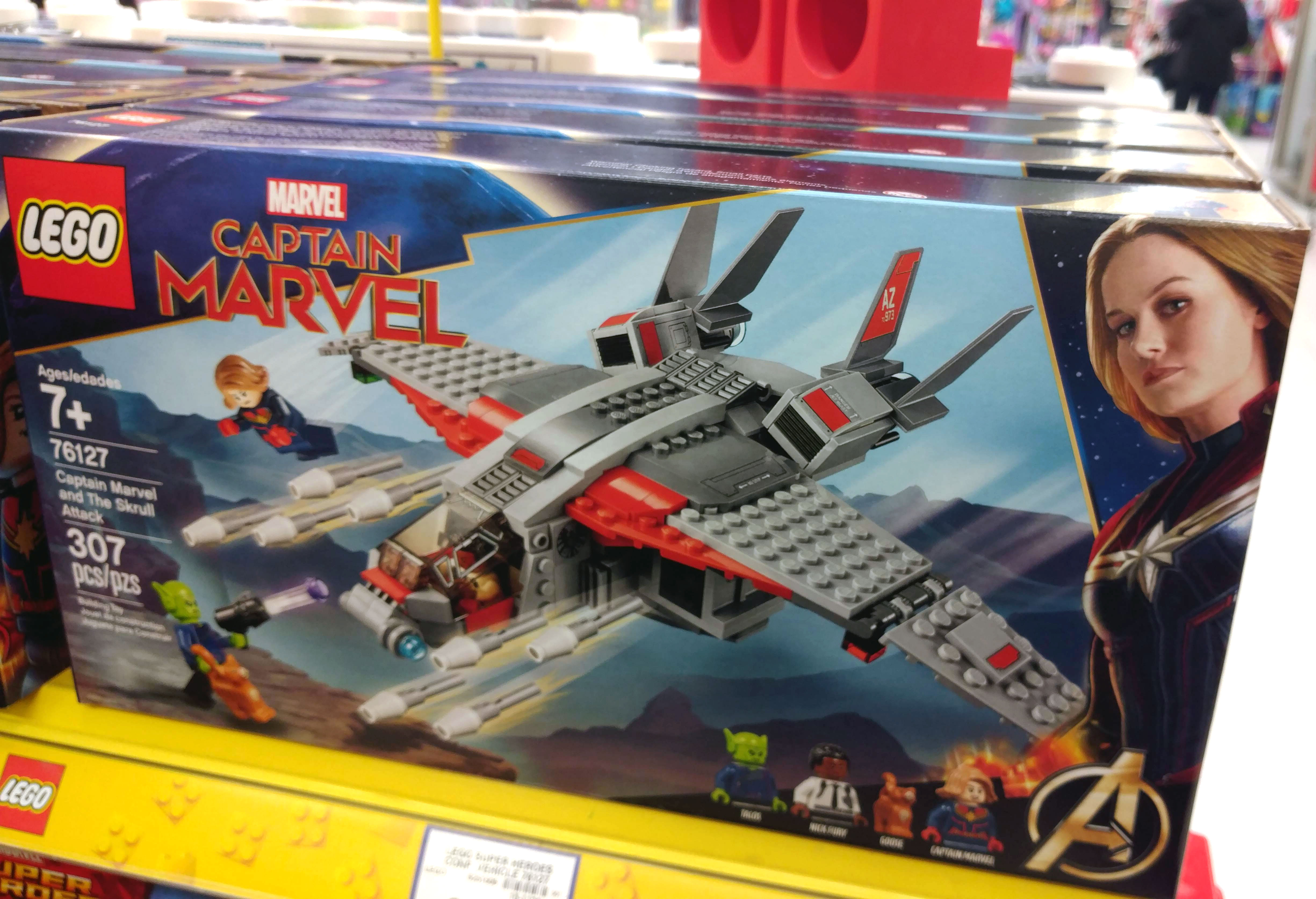 LEGO-Captain-Marvel-And-The-Skrull-Attack-(76127)
