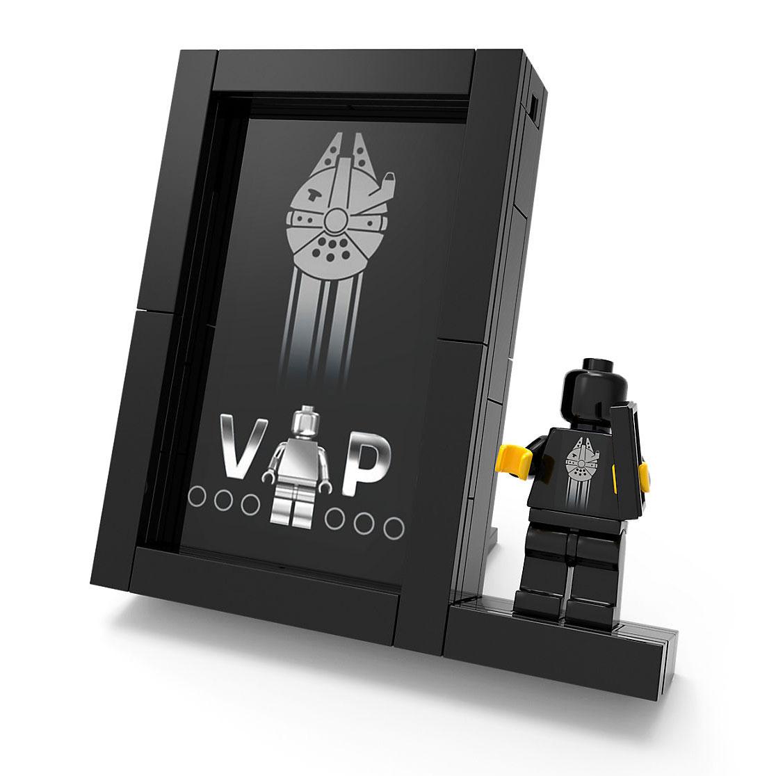 lego-star-wars-vip-card-display-stand-closeup