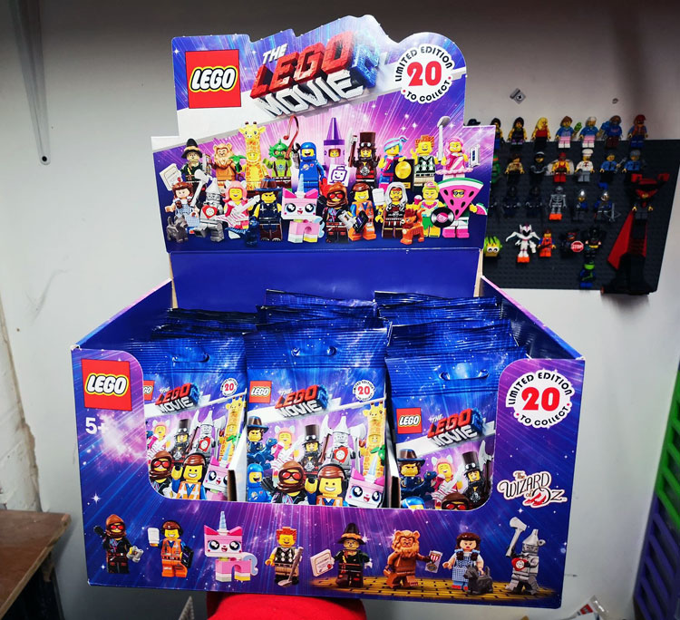 lego-71023-fullbox-uk2