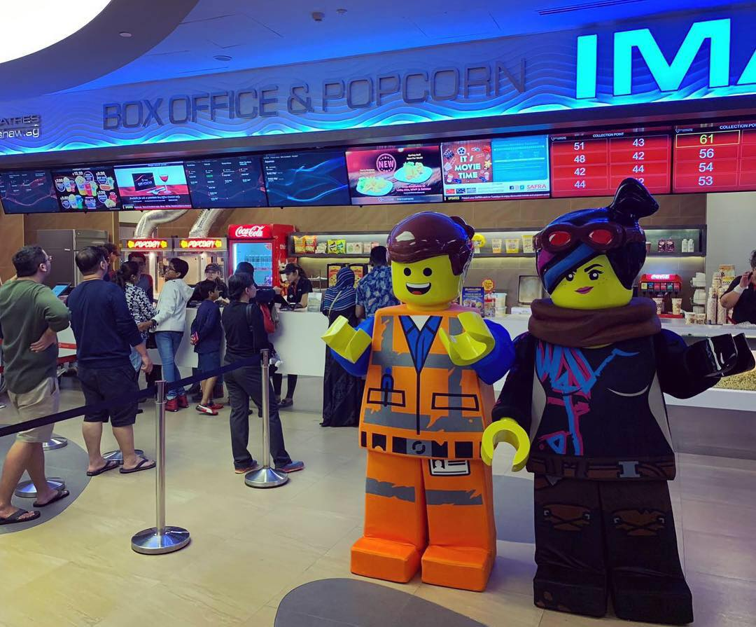 the lego movie 2 meet emmet and lucy 9