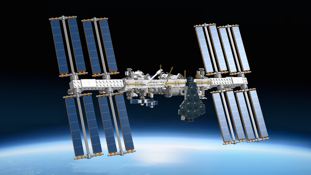 LEGO-Ideas_ISS_brickfinder_frontal