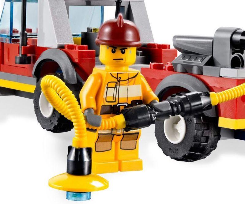 Lego-4209-fireman