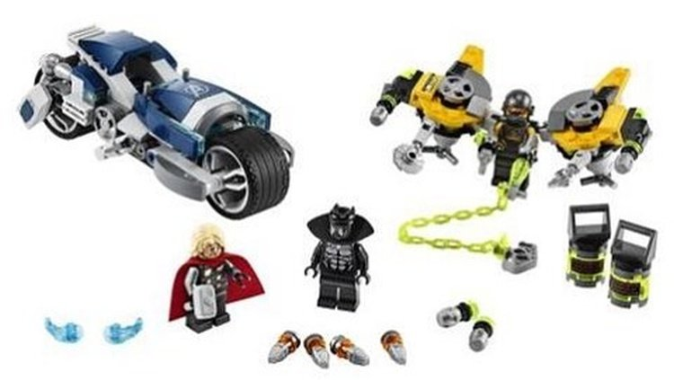 Avengers-Speeder-Bike-Attack-76142-2